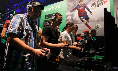 Gamescom: visitors play Fifa 14 on the Xbox One